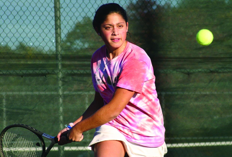 sports - west tennis - dulieu best photo ever